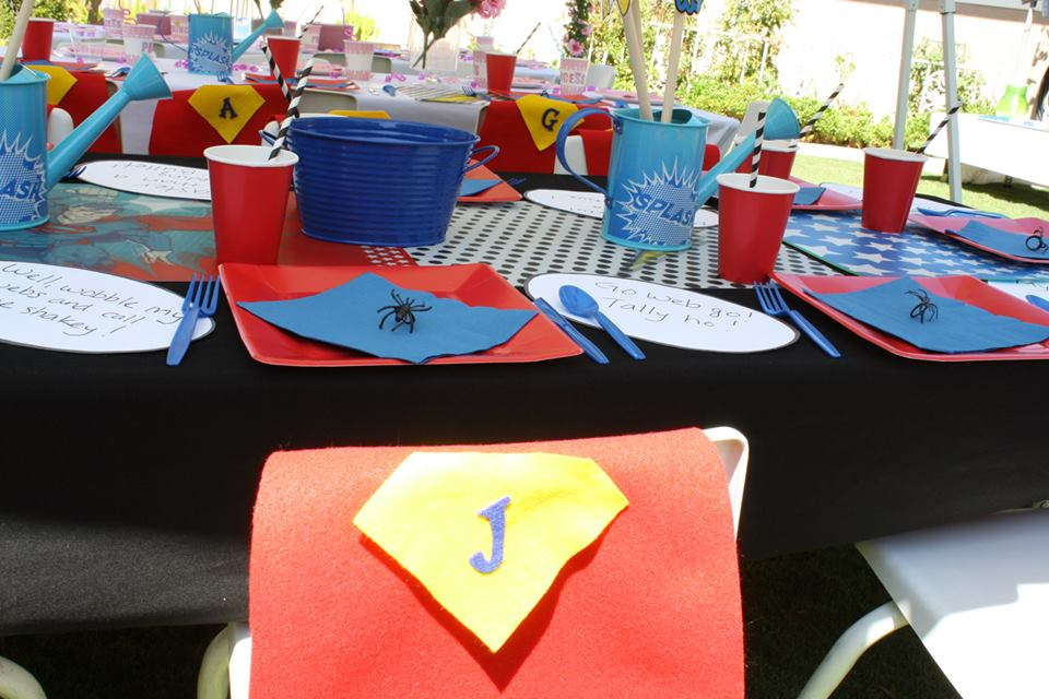 superheroes birthday party, calling all Princesss Superheros Birthday Party table
