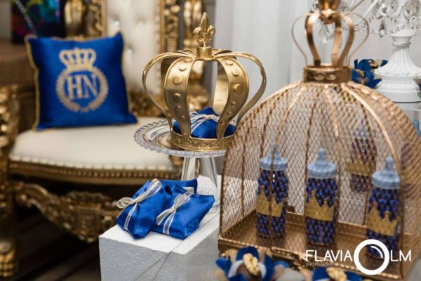 royal-blue-and-gold-prince-shower-crown-decor