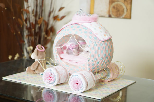 cinderella-princess-carriage-diaper-cake