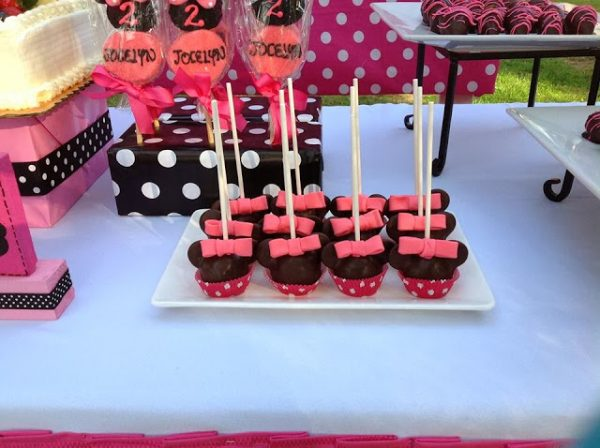 minnie mouse cakepop treats
