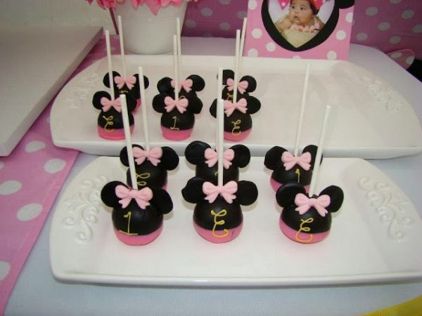 pink minnie mouse cakepops