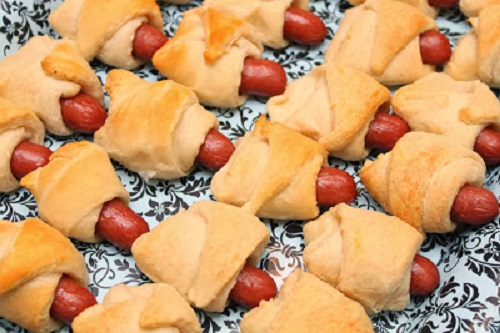 simple-baby-shower-food-ideas-little-sausages-baked-in-bread