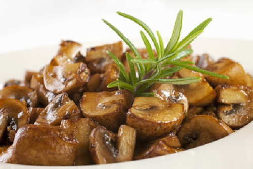 simple-baby-shower-food-ideas-mushrooms-marinated-with-balsamic-vinegar