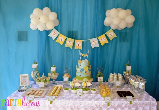 Up Up and Away Hot Air Balloon Baby Shower tablescape