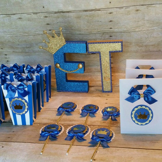 royal-blue-gold-prince-baby-shower-decorations