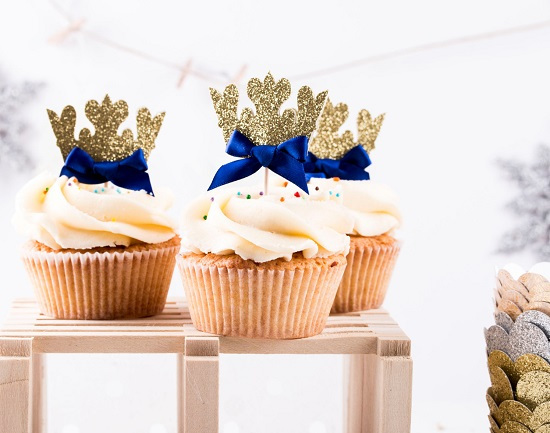 royal-prince-crown-cupcake-toppers