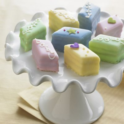 baby-petits-fours-400