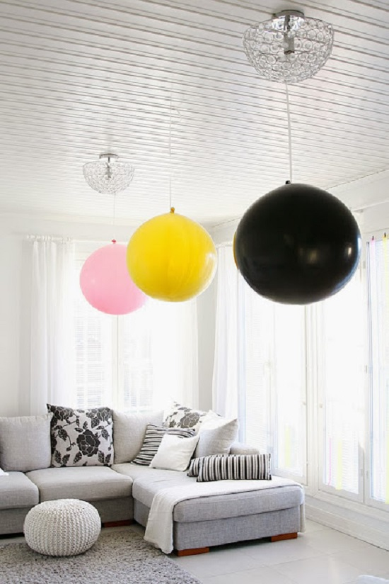 jumbo balloons ceiling decor