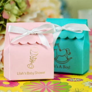 scalloped-baby-shower-favor-bags-400