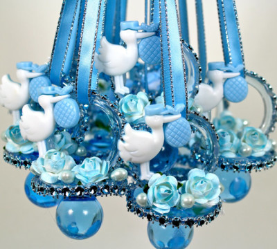 Blue-Baby-Shower-Pacifiers-Necklace