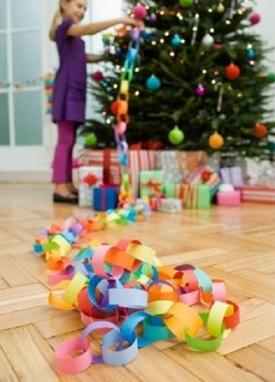 Budget Christmas Paper Chain Decoration