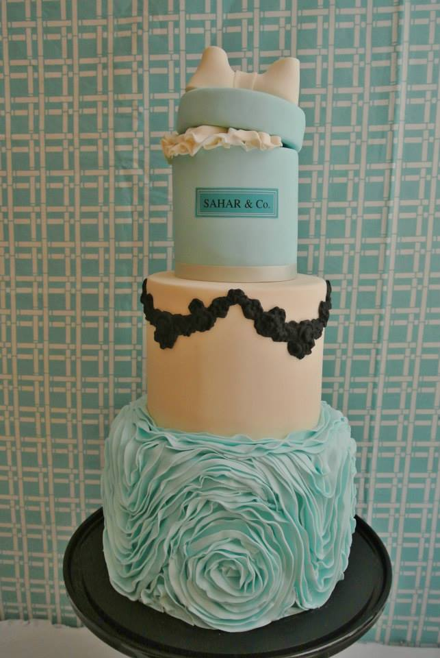 cupcakes and the Tiffany's gift box cake