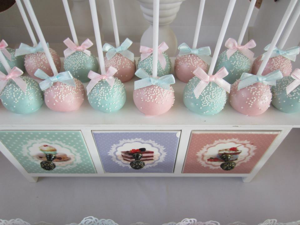 speckled in white pink and blue cakepops