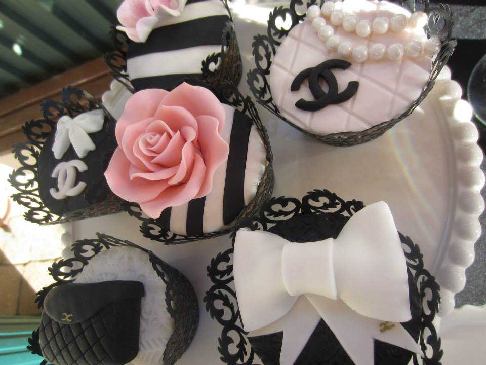 Pearls, Chanel Logo, Stripes Cupcakes