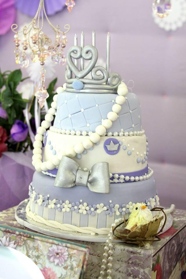 centerpiece princess cake