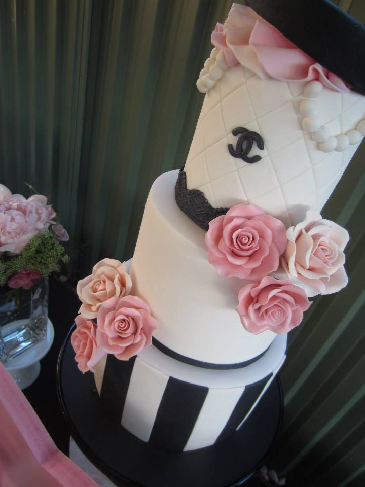 chanel 5 cake