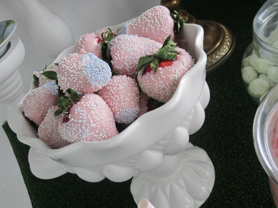 bowl of strawberry chocolate coated strawberries