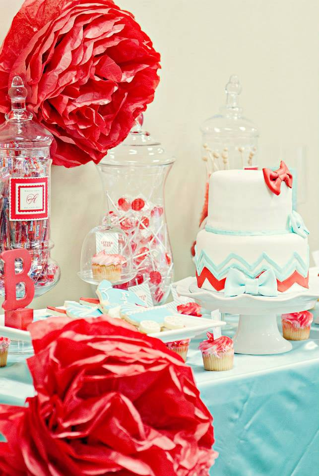 blue red white dessert table