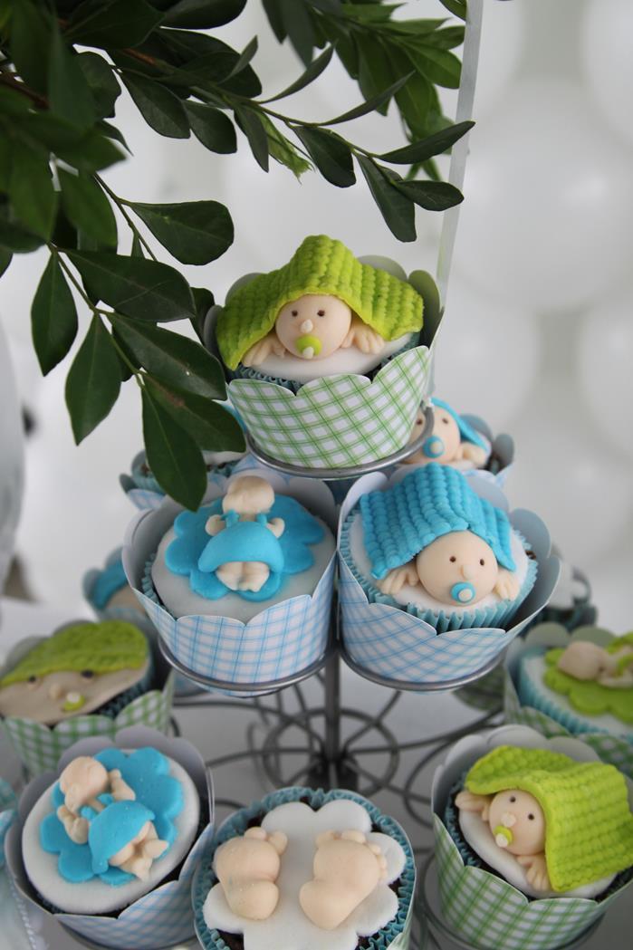little boy cupcakes