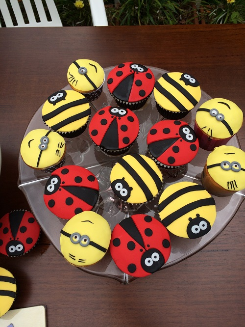 ladybird and minion cupcakes