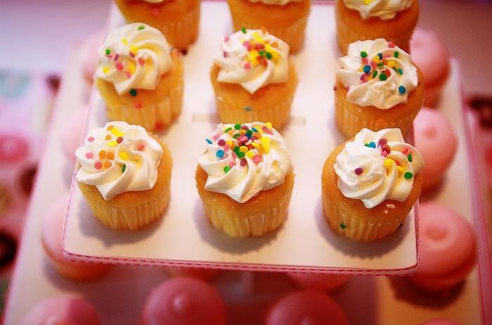 rainbow-sprinkle-mini-cupcakes