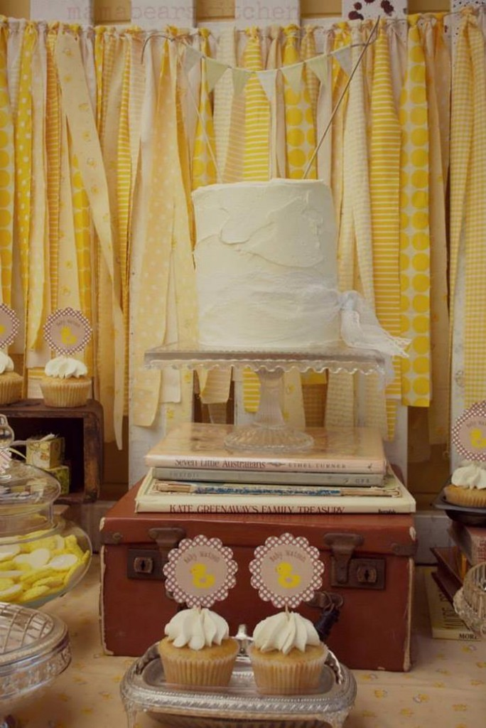 vintage themed cake