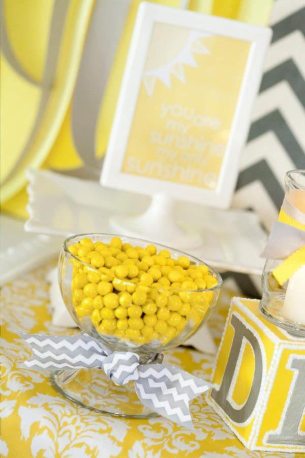 you are my sunshine baby shower Yellow lollies