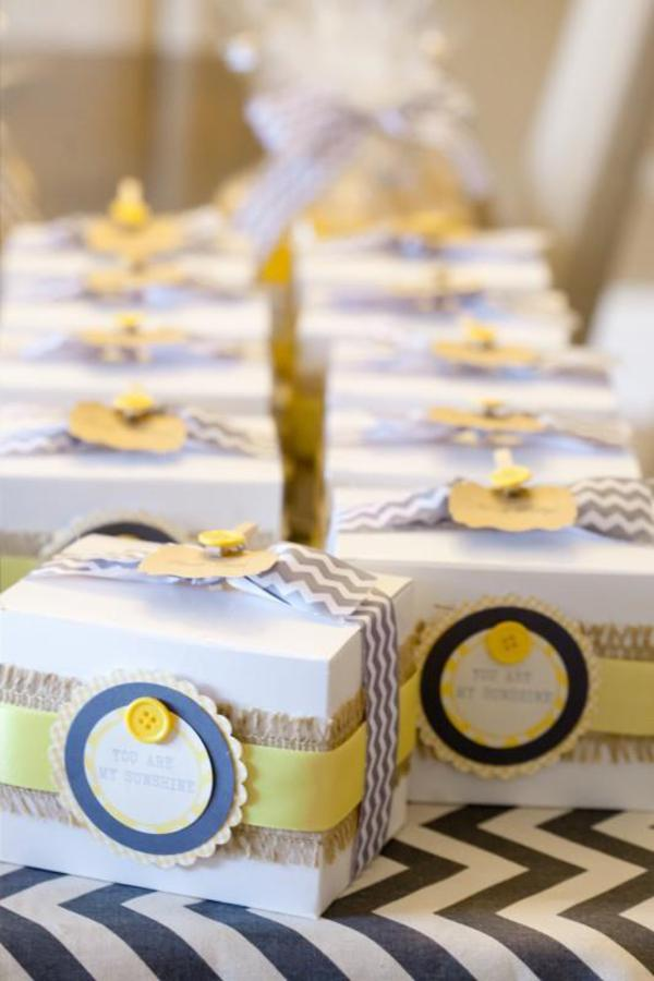 yellow and gray favor boxes