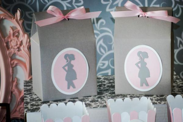 favor boxes with pretty satin pink ribbon