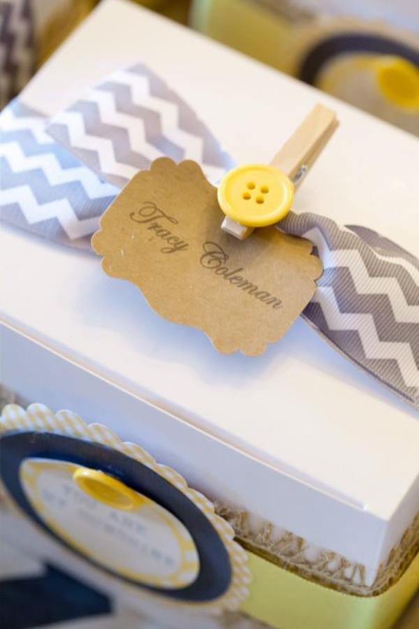 Yellow button Peg favor box