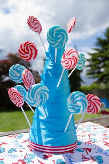 Dr seuss inspired cat in the hat party ideas via babyshowerideas4u candy swirl lollipops