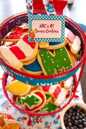 Dr seuss inspired cat in the hat party ideas via babyshowerideas4u seuss cookies