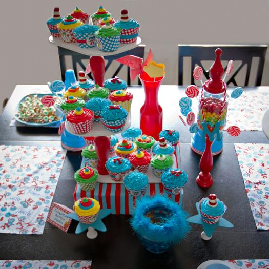 Dr seuss inspired cat in the hat party ideas via babyshowerideas4u table setting with cute centerpieces