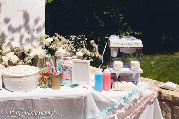 gender reveal baby shower party via babyshowerideas4u.com shaved ice cotton candy