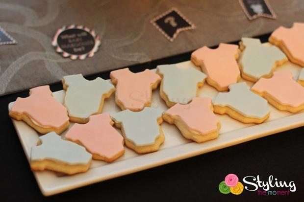 gender reveal party baby shower a boy or a girl via babyshowerideas4u pink blue onesie cookies