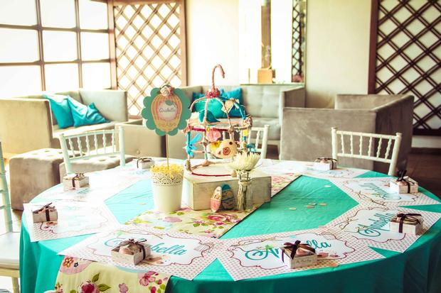 shabby chic birds baby shower ideas via babyshowerideas4u table setting