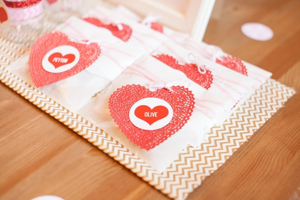 handmade valentine heart labels for favor bags
