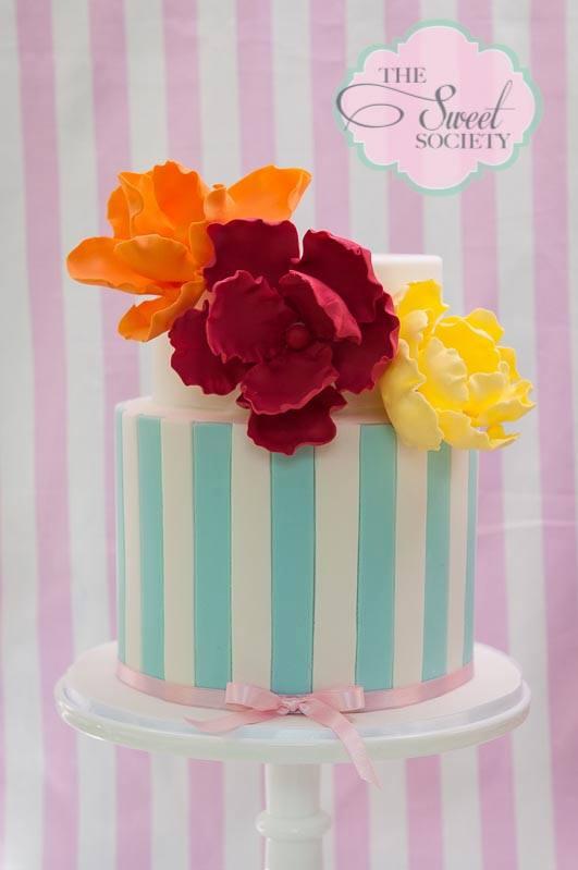 whimsical wonderland garden party via babyshowerideas4u cake