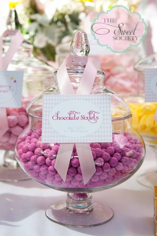 whimsical wonderland garden party via babyshowerideas4u chocolate sixlets