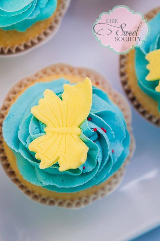 whimsical wonderland garden party via babyshowerideas4u eat me cupcakes butterfly