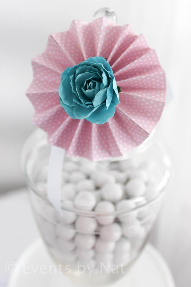 pink and blue paper flower labels