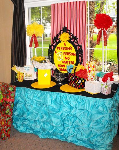 Dr Seuss baby shower via babyshowerideas4u.com