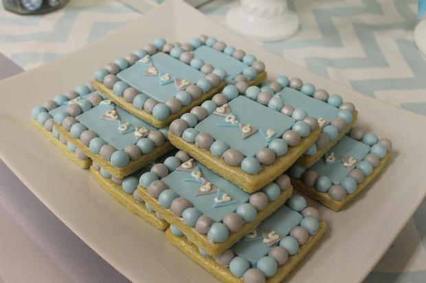 gray blue yellow baby shower ideas via babyshowerideas4u baby cookies