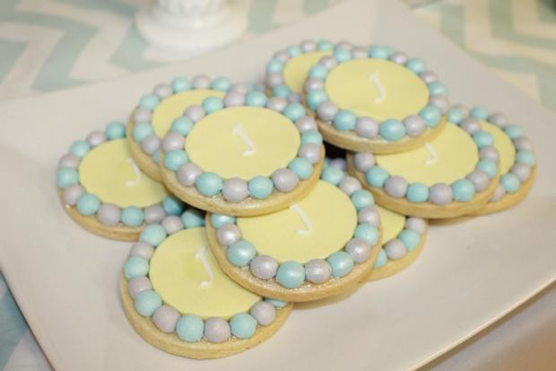 gray blue yellow baby shower ideas via babyshowerideas4u cookies