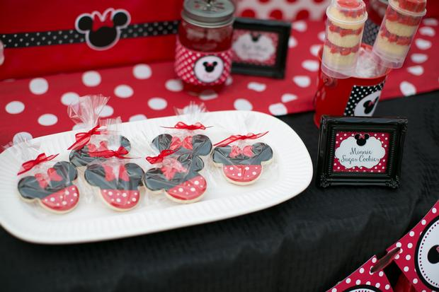 minnie mouse picnic party red black polka dots by sugarshackcrafts via baby shower ideas and shops babyshowerideas.com - sugar cookies