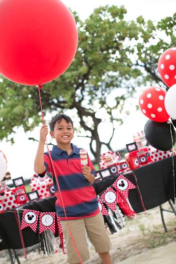 minnie mouse picnic party red black polka dots jumbo balloon
