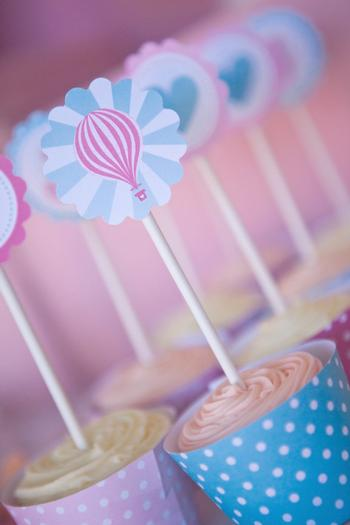 pink vintage hot air balloon baby shower via babyshowerideas4u cupcake with toppers