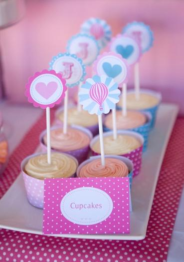 pink vintage hot air balloon baby shower via babyshowerideas4u cupcakes 1