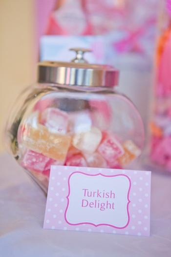 pink vintage hot air balloon baby shower via babyshowerideas4u turkish delight