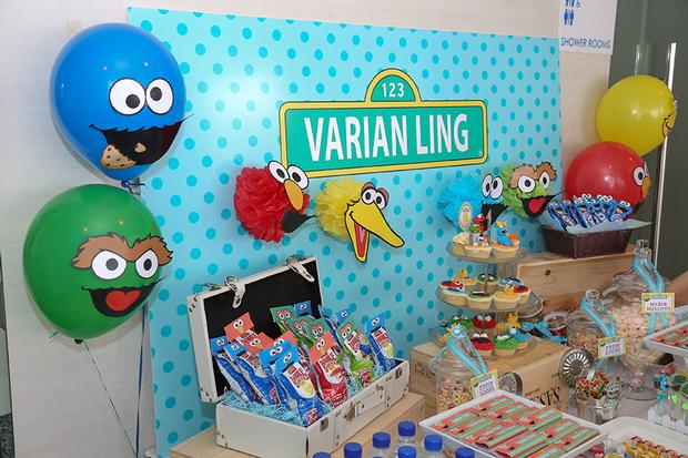 sesame-street-themed-dessert-table-baby-shower-party 12